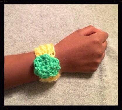 Divya - Bracelet and Flower