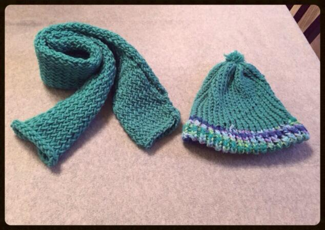 Mrs Vidhya - Loom Hat and Scarf